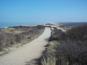 wandelen over de duinen op Walcheren